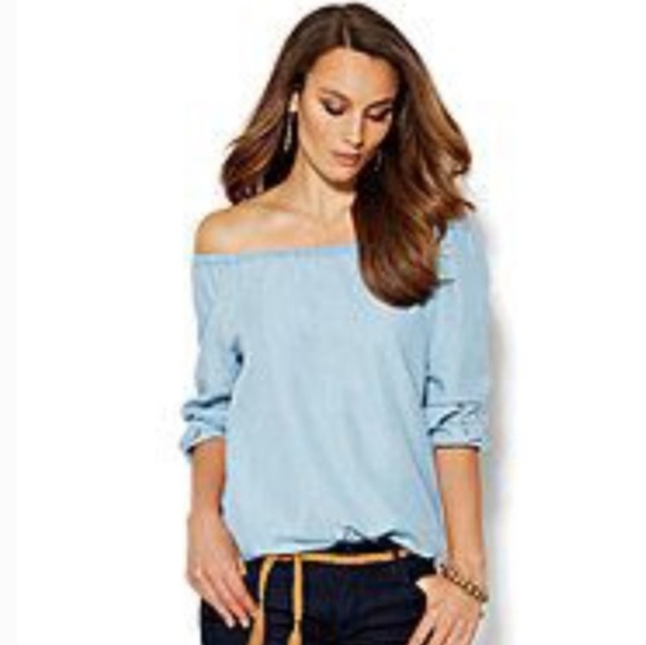 96698a1830359 Chambray off shoulder top. NWT. New York   Company
